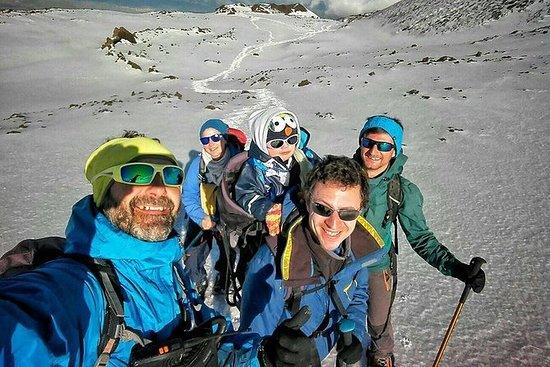 冒險探索埃特納火山