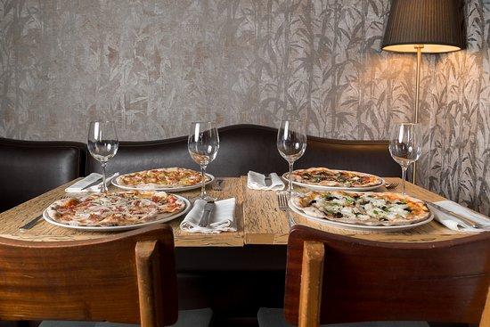 Pizzas em Forno a Lenha