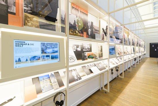 """Dauerausstellung """"Haus der Weimarer Republik - Forum für Demokratie"""""""