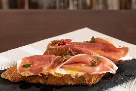 Cream cheese tapas with the portuguese ham.