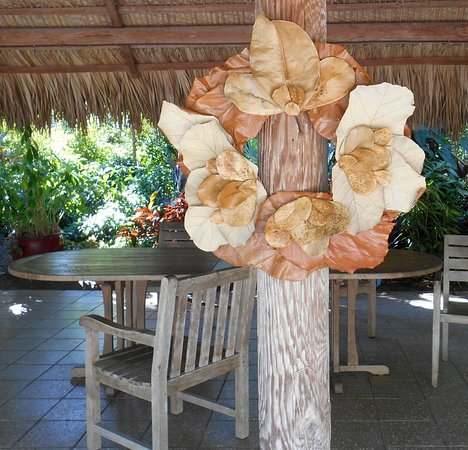 This wreath is an excellent example of decorations made from dried natural materials.