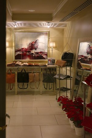 The Spa at Windsor Court, 300 Gravier St on the Fourth Floor of the Windsor Court Hotel in the Central Business District of New Orleans - With Full-service Spa, Salt Water Pool, and Fitness Center - Retail Space in Spa Reception Area