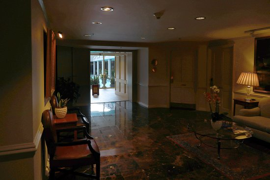 The Spa at Windsor Court, 300 Gravier St on the Fourth Floor of the Windsor Court Hotel in the Central Business District of New Orleans - With Full-service Spa, Salt Water Pool, and Fitness Center - Outer Waiting/Relaxation Room