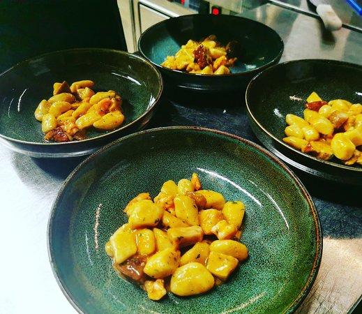 Gnocchi di patate con porcini e gamberi