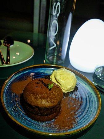 Hi Five Dubai Restaurant and Lounge - DubaiTravelBlog.com
