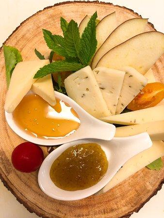 Selezione di formaggi d'alpeggio