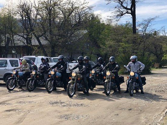 Villa La Angostura, Argentine : Así se disfrutan las motos