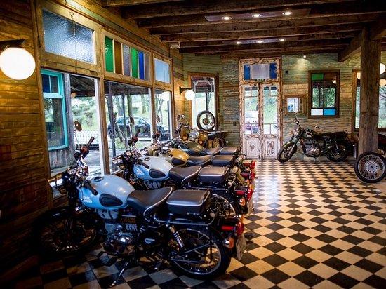 Villa La Angostura, Argentine : Nuestro local en El Mercado