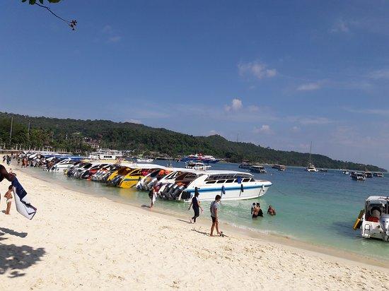 Phi Phi Happy Day Boat Tours – fénykép
