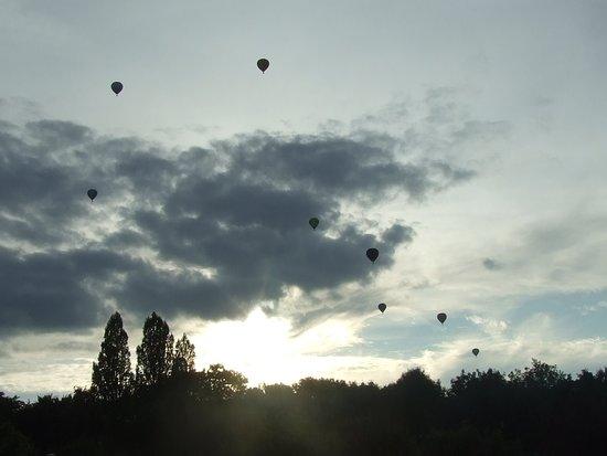 Chambley-Bussieres, Francia: Mondial air ballons CHAMBLEY . Les montgolfières s'affrontent dans le ciel messin.