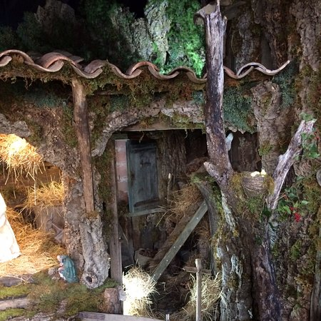 Gadoni Sardegna presepe antistante la chiesa.