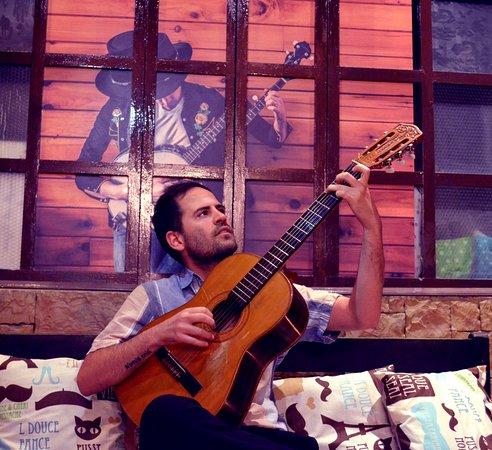 Desde Argentina Juan Pardini nos brindo una noche dedicada al Tango y Milonga