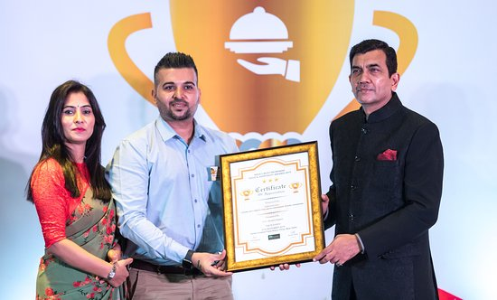 """Received """"India's Most Prominent Food & Hospitality Award 2019"""" from Sanjeev Kapoor."""