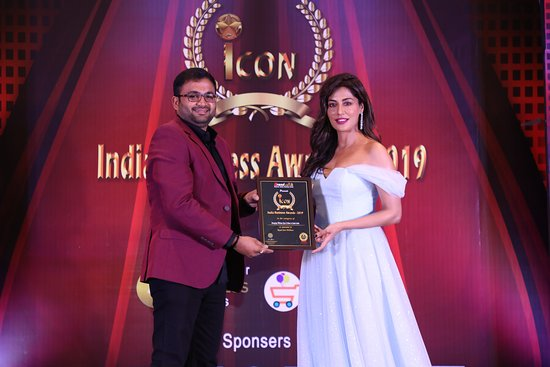 Namakkal, อินเดีย: Icon India Business Awards 2019 Chief Guest : Chitrangda Singh Royal Sara Wellness Deserve Emerging Wellness Spa and Salon in South India