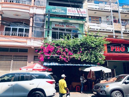 Nhà hàng Bình Minh 64 Hoàng Văn Thụ