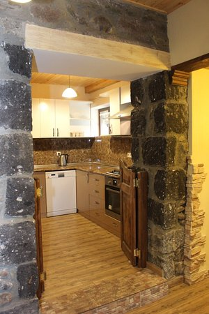 3+2 Dilijan Guest House