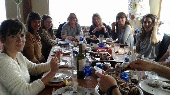 mujeres almorzando..gracias por la visita