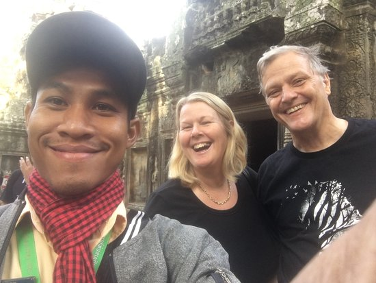 Angkor wat sunrise and Banteay Srei temple Private Day tour: Selfie of the three of us