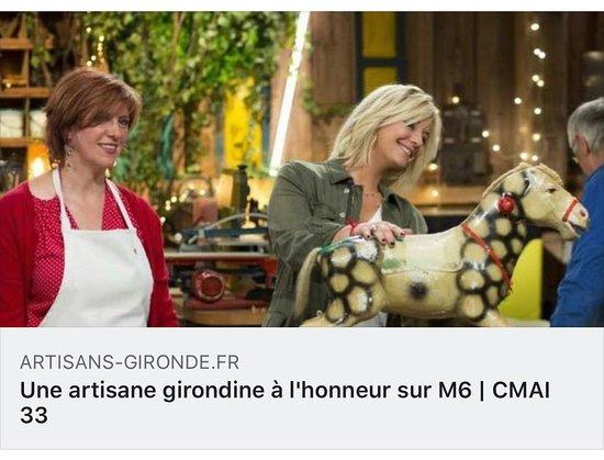 Fabienne Mogue était la candidate idéale pour participer à la nouvelle émission d'M6 diffusée tous les samedi à 17h35 depuis le 9 novembre dernier. Rencontre avec celle qui a le don de redonner le sourire grâce à son art.