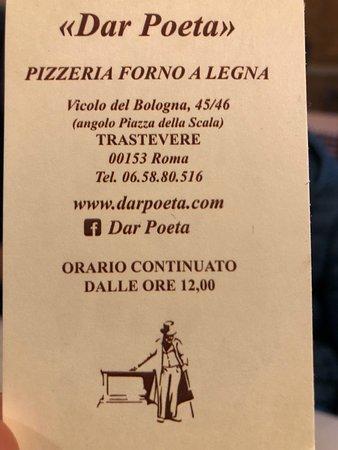 Espectacular sitio en Trastevere para comer unas pizzas. Recomendable la pizza de anchoas y la que más me gusta la Carbonara. Muy rica también la de Prosciuto.