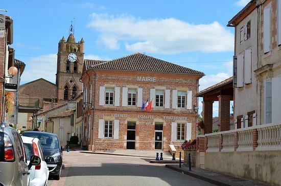 DONZAC (82-Tarn et Garonne) la DREB en balade le 9 septembre 2016 sous une grosse chaleur Plus de renseignements à la page de notre blog  http://dreb.eklablog.com/donzac-gallery173750