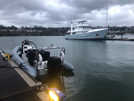 RIB ready and waiting by the pontoon for students on the RYA Powerboat Level 2 course with Ocean Sports. Easy access into the Itchen and only a short cruise to the Solent.