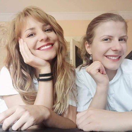 Marijana i Jelena - maseri fizioterapeuti - u slobodno vreme malo selfija začinjenog osmehom-duo za imperijal masažu 4 ruke...