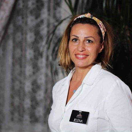 Jelena - maser fizioterapeut - naš trener-mentor za muški deo tima, 16 maserki i 10 masera u timu Ekselencije masaže Beograd, Svetogorska 27