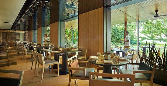 PARKROYAL Penang Resort Cinnamon Indoor area