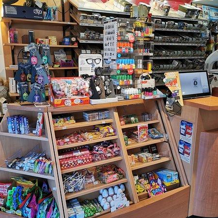 Saint-Julien-Molin-Molette, France: Tabac presse FDJ photocopy, imprimer photos cadeaux
