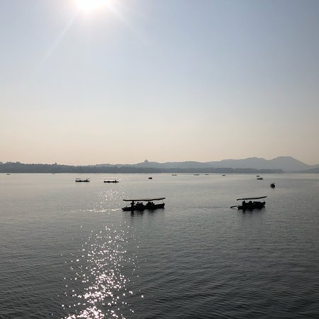 Gambar Private Hangzhou Half Day Sightseeing Tour