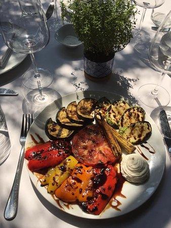Excelente restaurante!!comida y ambiente espectaculares! Muy recomendable!