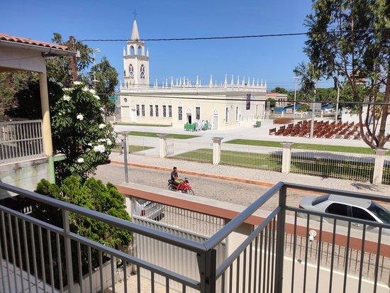 Jericoacoara, CE: Em frente a praça da Igreja Matriz