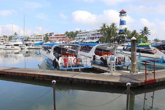 Phi Phi Happy Day Boat Tours: Boat Lagoon Marina