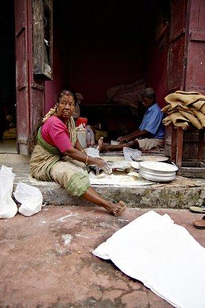 Women how prepare chapati - Mattancherry, Kochi