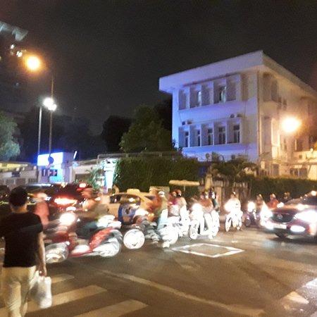 Ho Si Minh-város, Vietnam: Ho Chi Minh City at night!.✌✌