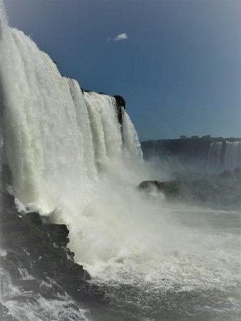 Cataratas del Iguazú - lado brasileño con boleto: Lado brasileiro, bem perto (aqui molha-se todo, cabelos, roupas, calçados...)