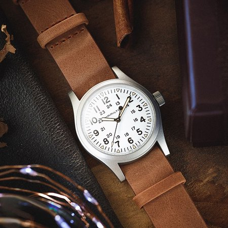 It's beginning to look a lot like…Hamilton. The leather strap of the new Khaki Field Mechanical offers a new take on the original soldier's watch #hamiltonwatch