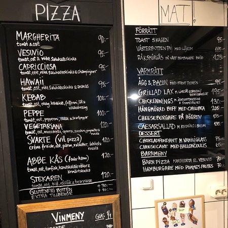 Abbekas, Thụy Điển: Bästa pizzan vi ätit. Härligt dubbelrum i markplan. Perfekt för en helg i Skåne. Kommer att komma tillbaka!  PS! Bra frukost med gott kaffe.