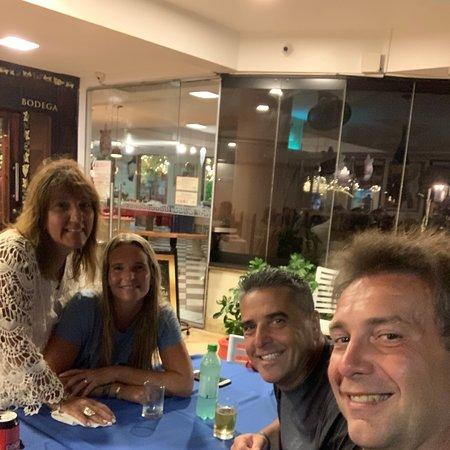 Hotel Esmeralda, Natal, excelente estadía la atención de Gabriela fue excelente, la comida exquisita, viaje con amigos, vamos a volver pronto