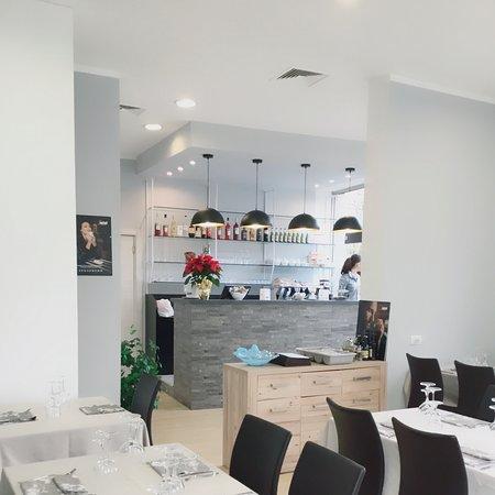 מרגרה, איטליה: Inside Resturant 