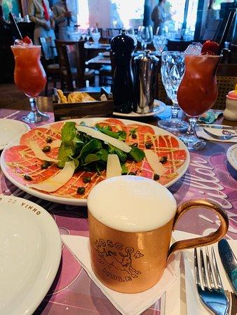 Fomos hoje (07/12/19). Muito bem atendidos, com comidas e bebidas ótimos como sempre!