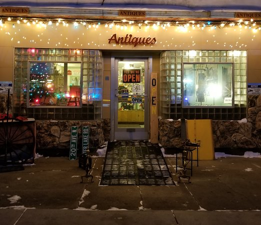 Bemidji, MN : Getting Christmasy at Mattie's!!