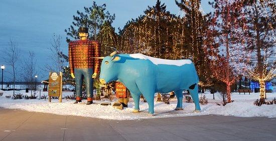 Paul Bunyan and Babe this holiday season