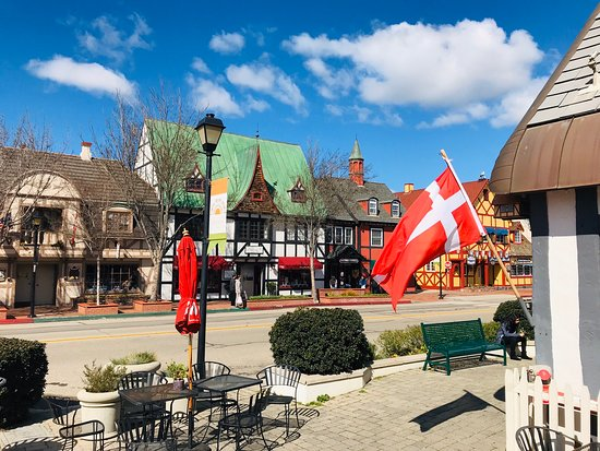 Solvang in Southern California is within a short driving distance from LA. It is a hidden gem of a place and takes one into the heart of any town in Denmark. Had a wonderful time just exploring this cute town on foot and visiting some of the shops inside. Would certainly very highly recommend visiting this town to any offbeat traveler. Sharing some pics clicked in Solvang.