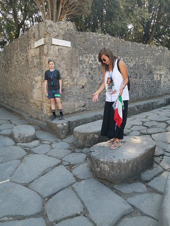 Pompeii Ruins & Mt Vesuvius Volcano Day Trip from Rome: Stepping stones