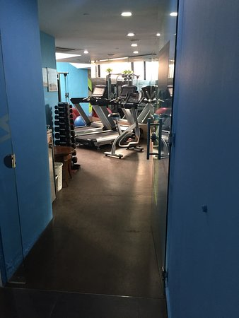 The smallest gym ever ! Old machines too !