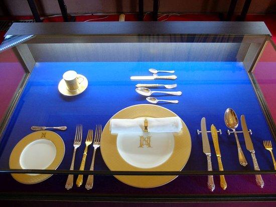 ナガサキホテルの食器類。