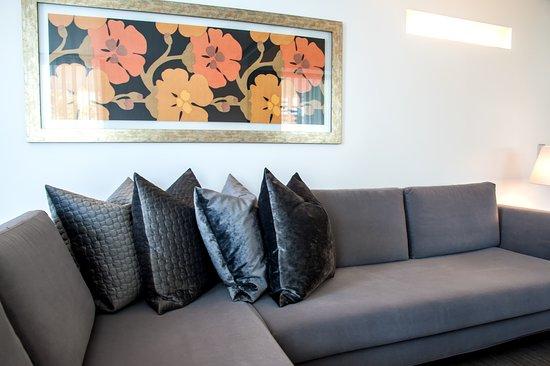 Senior suite living room