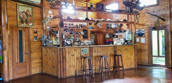 Уютное ковбойское кафе.